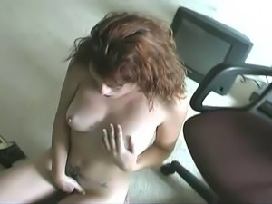 Cute babe sprayed with love juice after giving a blowjob