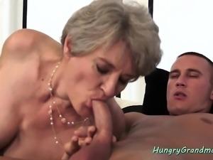Nasty granny likes it hard