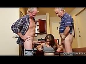 Teen bouncing ass Introducing Dukke