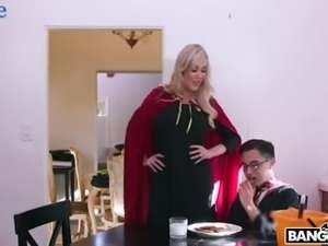 Wickedly sexy MILF Brandi Love wants to fuck this magician