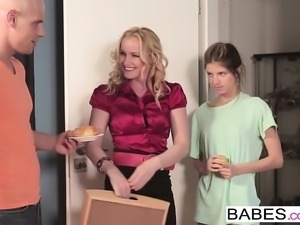 Babes - Step Mom Lessons - Leny Ewil, Gina Ge