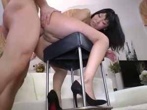 Raunchy and fun loving Asian nympho Candy Vivian gets fucked up the ass
