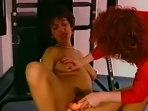 Messy curly haired vintage slut knows how to give a kinky blowjob