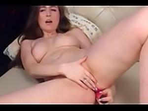 Babe on Cam Masturbates Pussy - LIVE ON www.sexygirlbunny.tk