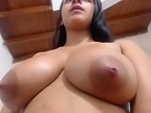 Nice boobs Latina milf on free cam