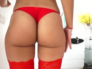 Oiled booty of appetizing Latina beauty Esperanza del Horno is drilled