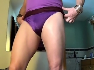 Horny crossdresser stretches his anal hole with a huge toy
