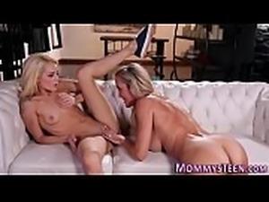 Teen licks stepmoms ass