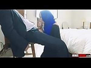 arab girl sucks tourist