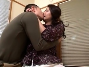 Stacked Asian mom gets her hairy slit eaten out and drilled