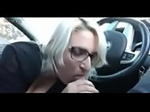 nice bj in the car.