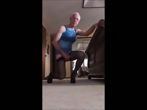 Crossdresser on Sex Cam