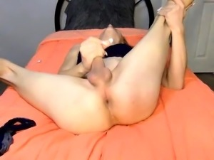 Blonde webcam tranny buries a toy in her ass and jerks off