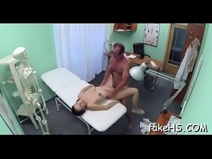 Hawt doctor knows how to have a fun sex