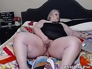 BBW Amateur Woman Cumming On Camshow