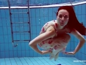 Svelte nympho Martina looks great while swimming underwater like a mermaid