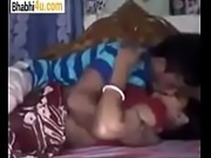 Desi village couple Enjoying in home visit -bhabhi4u.com