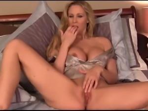 amazing milf julia and her big boobs joi ! #mrbrain1988
