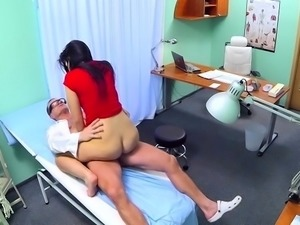 Find out how impure cunt of a nasty doctor gets hammered