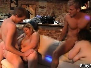 Blonde plumper gets fucked in the bbw bar