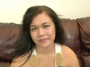 Asian MILF in shorts gives blowjob and gets pinned Hardcore in reality clip