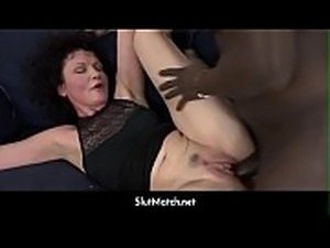 Mature SQUIRTS and goes Crazy when fucked by black man with his big dick