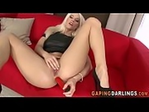 Gaping ass threeway babe