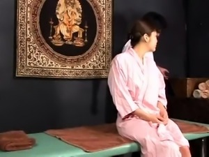 Striking Japanese babe getting massaged, toyed and fucked