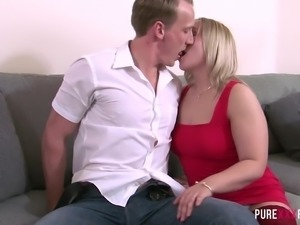 Torrid and voracious blonde nympho Ashley Rider deserves some hard doggy