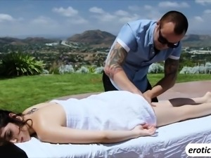 Petite babe Judy Love takes an outdoor massage and fuck