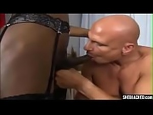 White Dude Loves Sucking Her BBC