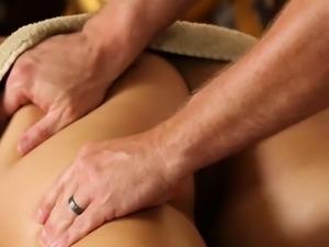 Hottie fucking masseur