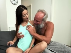 Granpa Fucks Sexy Babe