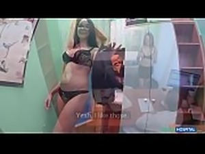 Sexy profesora ense&ntilde_a portugues a doctor y terminan follando - ver...
