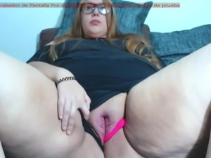 Big pussy lips - web cam