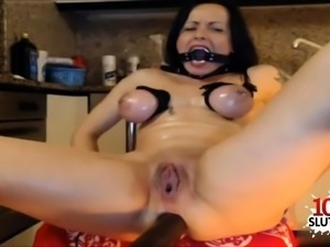 Hot pornstar dildo machine and cumshot