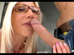 Slutty Blonde MILF Bagged