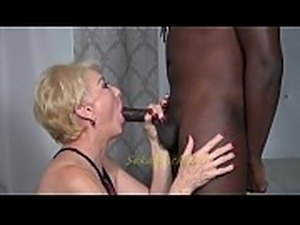 Seka Shows Off Her &quot_Seka Fluff&quot_ technique