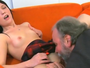 Steaming young babe gets her cunt happy by old crock