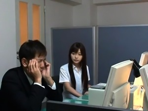 Happy japanese babe gets real relaxation in the office