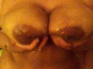 Big  titts natural playing with my big titts in shower 1btag