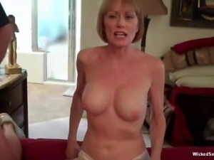 Amateur GILF Loves The Threesome Action