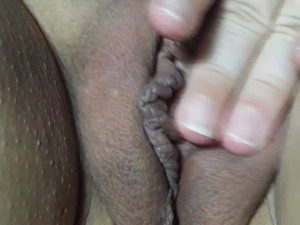 NICKI,S long slow rub of her pussy to orgasm for tributes.