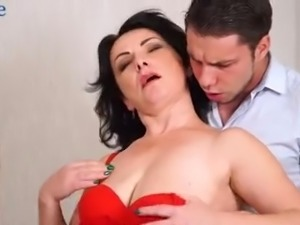 Buxom whorable Helen He is always happy when her wet pussy is fucked