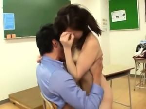 Jav Idol Mimi Yazawa Caught Steeling From School