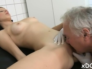 Sexy babe and a horny doctor are playing a messy game