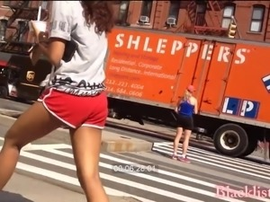 Indian teen with vpl wedgie in yoga short shorts