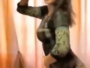 vert hot belly dance