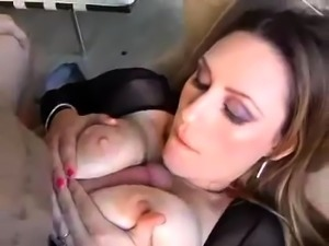 Busty MILF gives nice blowjob and titjob