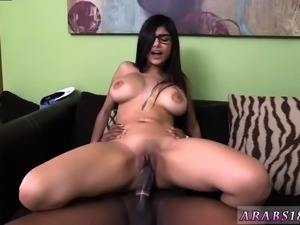 Homemade arab wife and Mia Khalifa Tries A Big Black Dick
